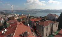 IS-654, Strandnahe Meerblick-Eigentumswohnung mit Balkon in Istanbul-Besiktas