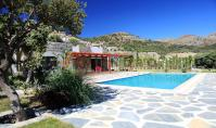 BO-181, Am Strand gelegene Villa mit Pool und Terrasse in Bodrum-Gümüslük